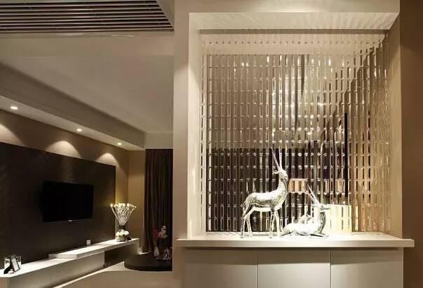 5,家居装修风水禁忌-玄关忌玻璃   玄关之于家庭,有如咽喉之于人体